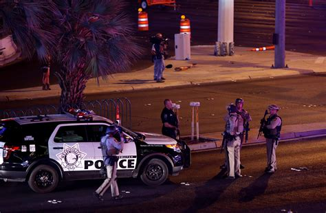 las vegas shooting 2017 shooter at least 50 dead 400 injured in mass shooting in las