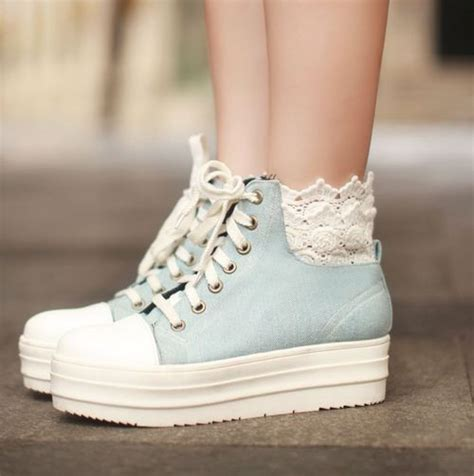 Sepatu Platform Pompom White jdshjdsjd via image 984949 by awesomeguy on