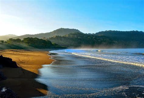 Backpacker Jember keindahan pantai bandealit di jember jawa timur backpacker jakarta
