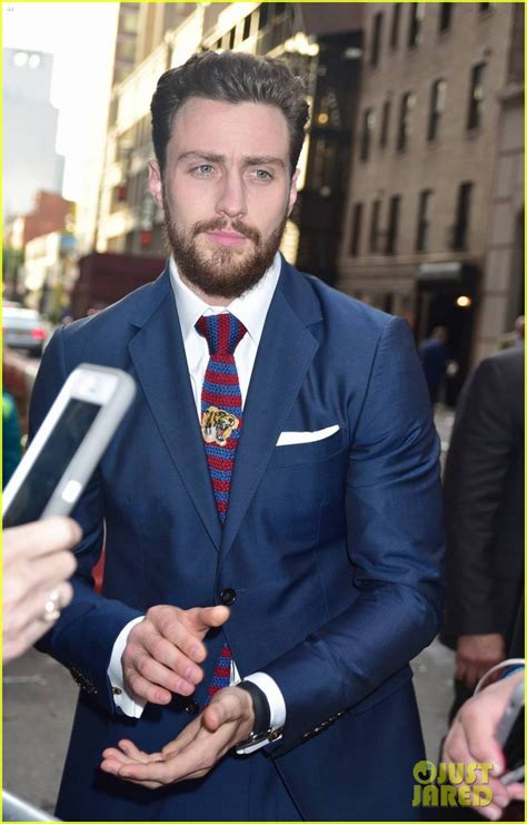 aaron taylor johnson the wall aaron taylor johnson bulked up for the wall with help