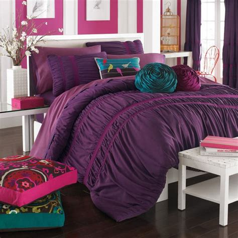 plum colored bedding 25 best ideas about plum bedding on pinterest purple