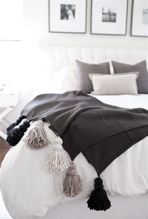 tell diy chunky tassel blanket tell and