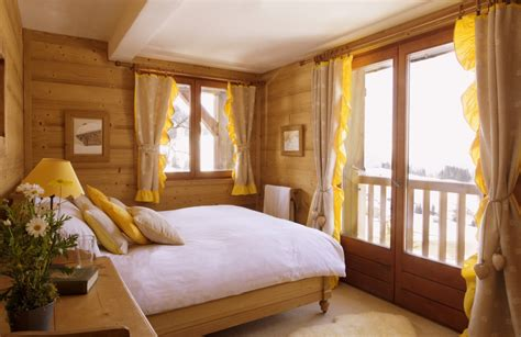 small light yellow bedroom www imgkid the image