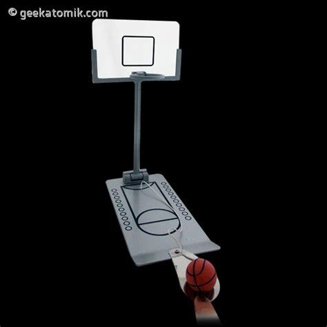 panier de basket pour bureau panier de basket pour bureau geekatomik