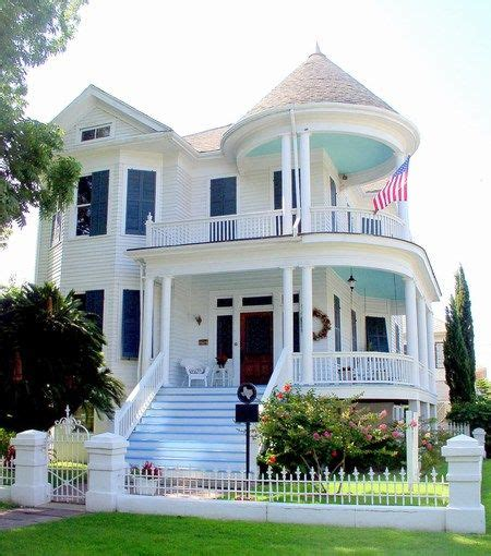 queen anne house style queen anne style homes were the most popular and the most