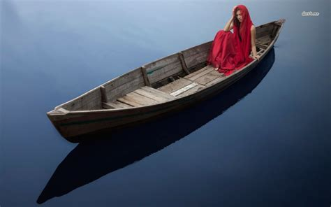 girls on boats woman on boats wallpaper wallpapersafari