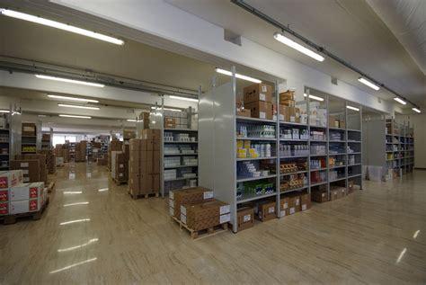 grossisti alimenti per animali distributore per grossisti di articoli per animali