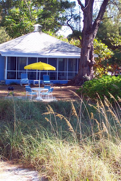 backyard cottages florida florida cottage bamboo apartments