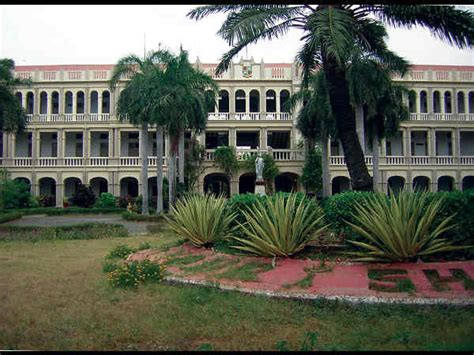 Loyola College Application Form For Mba by Loyola College Invites Applications For 2014 15 Admissions