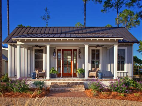 tiny farmhouse palmetto bluff cottage design studio sc farmhouse