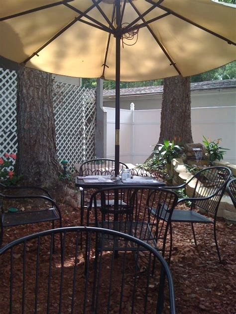lowcountry backyard restaurant 9 best lake life in hamilton images on pinterest