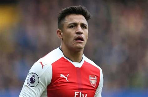 alexis sanchez offers man united have made an offer for arsenal s alexis sanchez