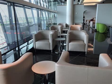 economy comfort free drinks icelandair economy comfort walks a pleasing business light
