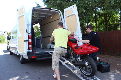 Motorrad Transporter Moto 1 by Motorradtransport Im Transporter So Gehts Motorradblogger