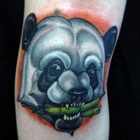 panda kopf tattoo gro 223 es nat 252 rlich aussehendes farbiges tattoo am r 252 cken mit