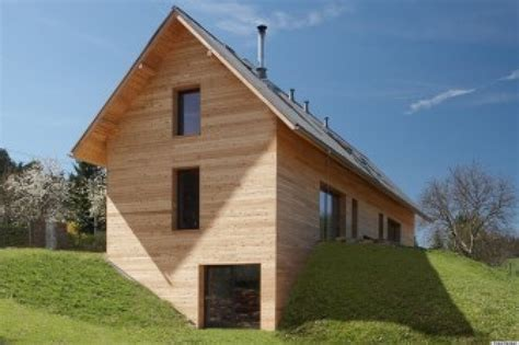 house built into a hill by stempel tesar architects