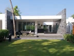 A Tale Of One House Modern One Floor House Plans Modern House