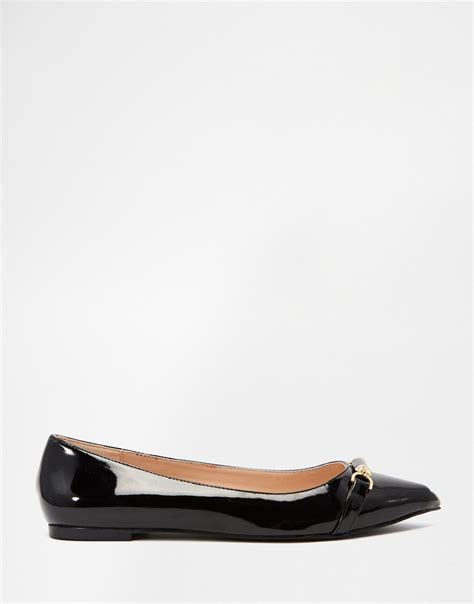 carvela flat shoes lyst carvela kurt geiger point flat shoes in black