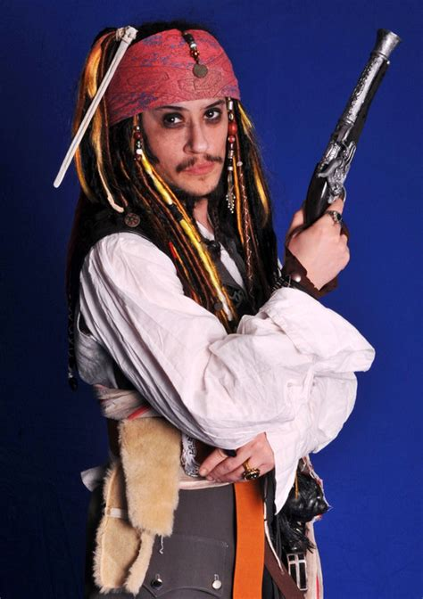 posing tips from captain jack sparrow jack sparrow create and cosplay island view costume constable crane captain