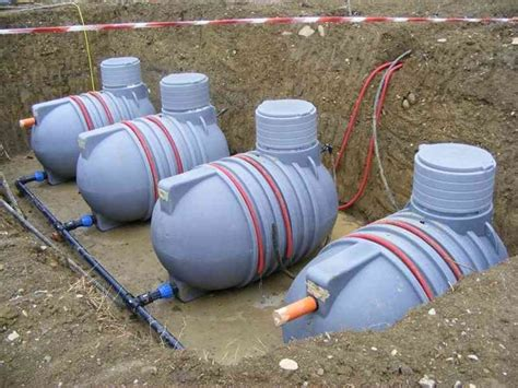 vasca accumulo acqua piovana cisterne acqua piovana grondaie cisterne per acqua piovana