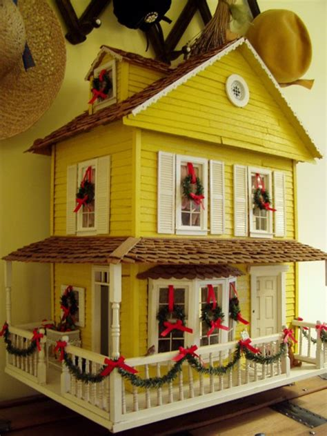 doll house christmas dollhouse decorated for christmas