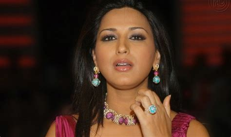 bollywood actress early death sonali bendre s cousin and uncle die in road accident