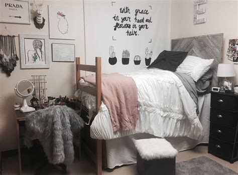 cozy girls room decorating ideas iroonie com creative dorm room ideas to make your space more cozy