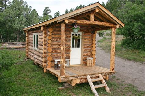 tiny log cabin by jalopy cabins