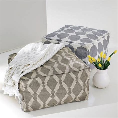 Pouf Ottoman Diy by 29 Comfortable Diy Poufs And Ottomans Shelterness
