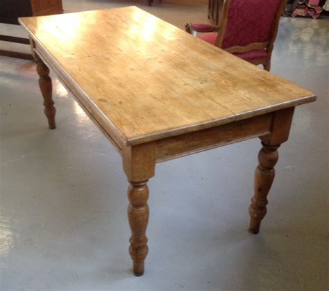 turned leg farmhouse table pine farmhouse table on turned legs circa 1880