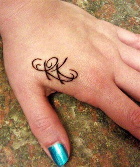 abbreviazione di presso nelle lettere 46 disegni e tatuaggi di abbreviazione e iniziali