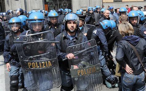 sede cgil torino torino scontri con la polizia alla manifestazione della