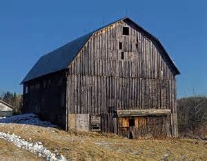 gambrel barns file gambrel style barn jpg