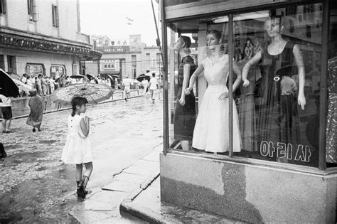 seoul after the war stunning photos by han youngsoo 1956 1963 flashbak