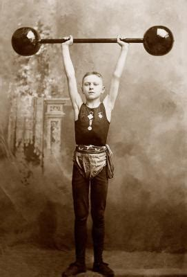 how much should i bench press for my weight how much should a 13 year old boy bench press
