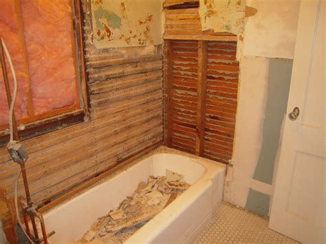 removing an old bathtub removing cast iron bathtub 28 images how to remove