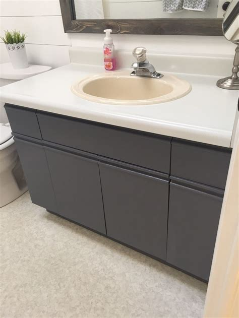 Painting Laminate Bathroom Cabinets by Best 25 Laminate Cabinet Makeover Ideas On
