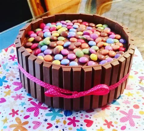 Kitkat Torte Mit Bunten Smarties Mysecretin Chefkoch De