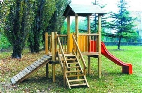 prezzi scivoli da giardino scivoli in legno giochi in giardino