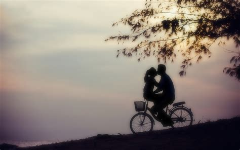 imagenes romanticas de parejas en bicicleta 2015年浪漫情人节甜蜜情侣照高清壁纸 节日壁纸 壁纸下载 美桌网