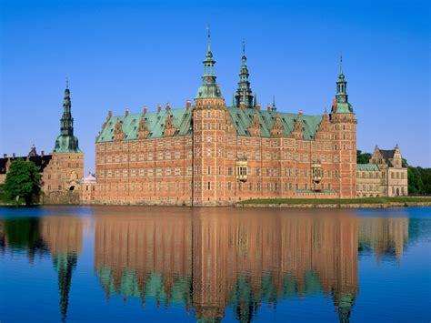 beautiful castles jl inside 10 most beautiful castles in the world