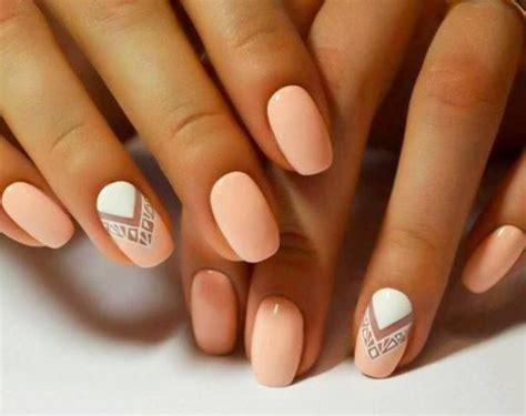 imagenes de uñas decoradas solo con esmalte las 25 mejores ideas sobre u 241 as cortas en pinterest