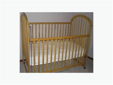 Simmons Crib by Simmons Crib No Mattress 20 00 Duncan Cowichan