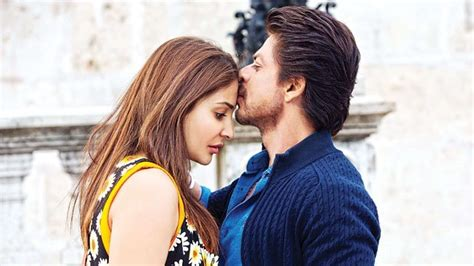 evelyn sharma in jhms jab harry met sejal review shah rukh khan anushka