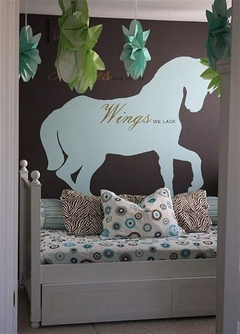 horse theme for girl s bedroom with printed horse bedding unicorn or horse theme bedroom kids rooms pinterest