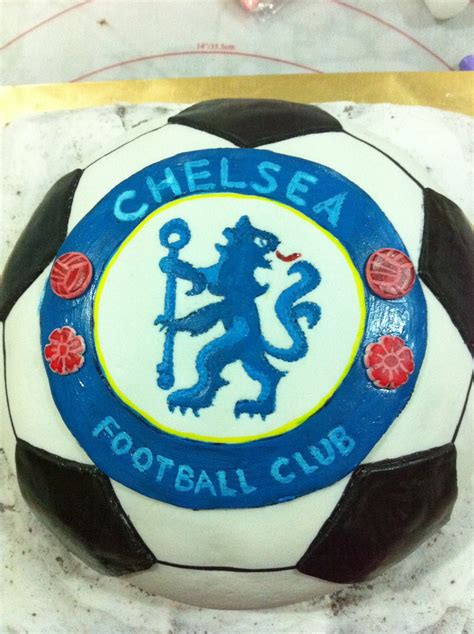 home mayde cakes  making  chelsea soccer cake
