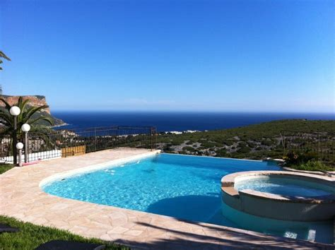 locations location villa t4 f4 cassis piscine vue mer et