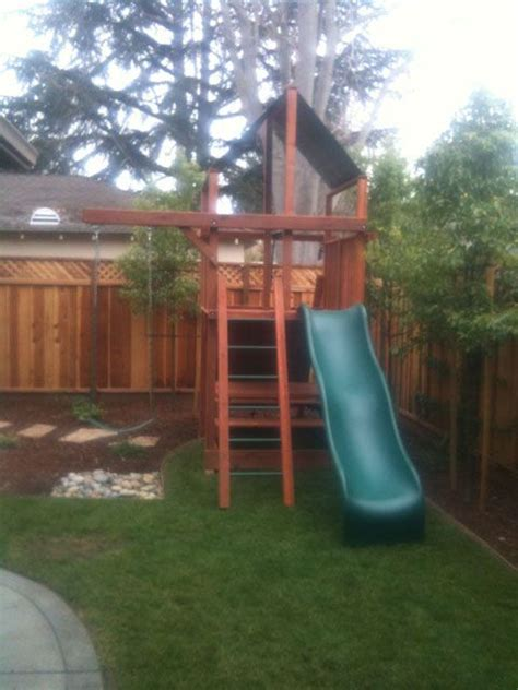 swing set small yard 1000 ideas about small yards on pinterest small yard