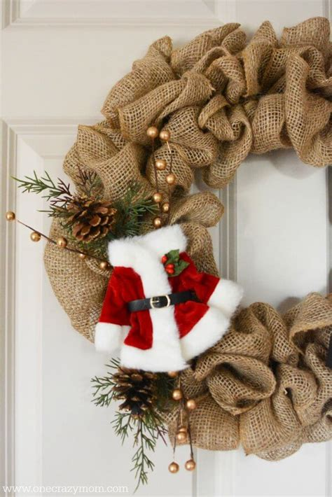 how to geed burlap in a christmas diy burlap wreath how to make a burlap wreath for