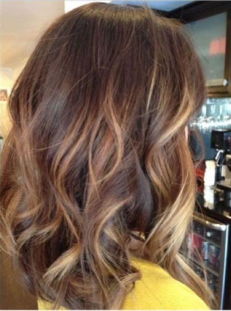 pinterest medium hairstyles with highlights golden brown hair color ideas for medium length hairstyles